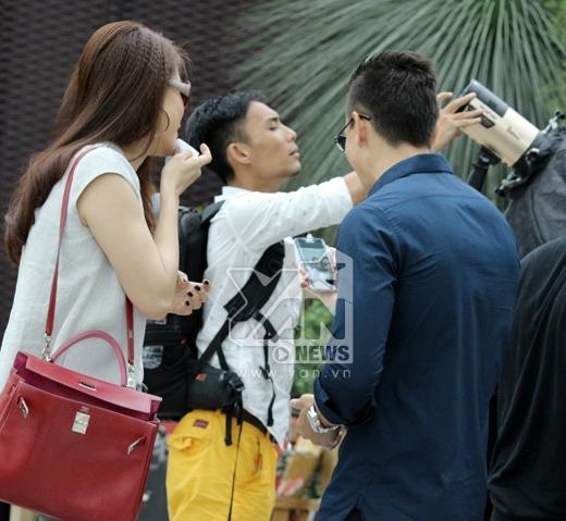 Bắt gặp Kim Lý hẹn hò Trương Ngọc Ánh tại vườn hoa - Tin sao Viet - Tin tuc sao Viet - Scandal sao Viet - Tin tuc cua Sao - Tin cua Sao