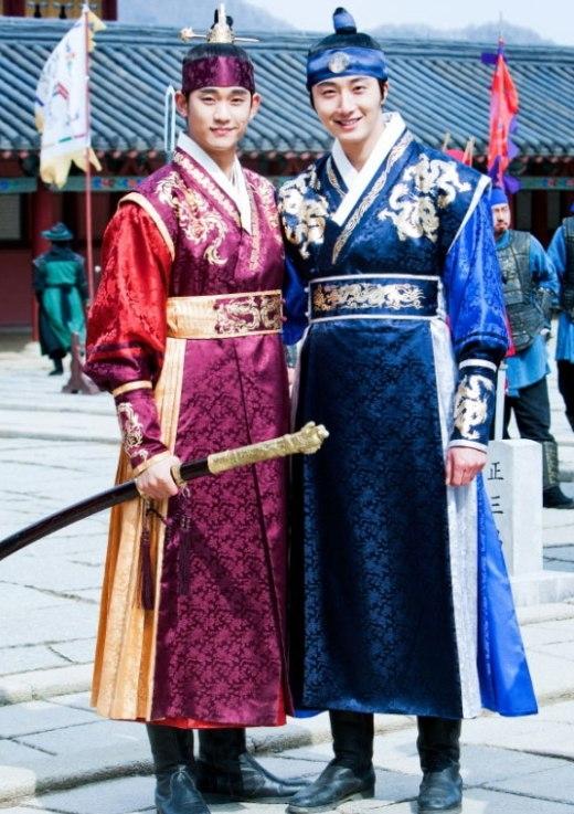 Muôn kiểu anh chị em mê hoặc khán giả màn ảnh Hàn
