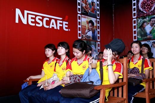 """Khán giả trẻ xúc động với câu chuyện tình cảm lãng mạn """"Xin chào, Hẹn gặp lại"""" của đạo diễn trẻ Luk Vân."""