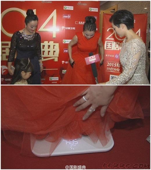 Nữ diễn viên Lý Linh Ngọc nổi tiếng với vai Thỏ Ngọc Tinhxinh đẹp trong Tây Du Ký bản 1986. Hiện giờ cô đã ngoài 50 nhưng vẫn sở hữu vóc dáng lý tưởng. Khi bị đề nghị cân tại chỗ, cô đành ngậm ngùi chia sẻ cân nặng thật sự của mình là 58,4kg.