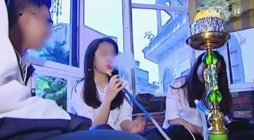 Vụ học sinh diễn cảnh hút shisha: Sở GD&ĐT Hà Nội vào cuộc