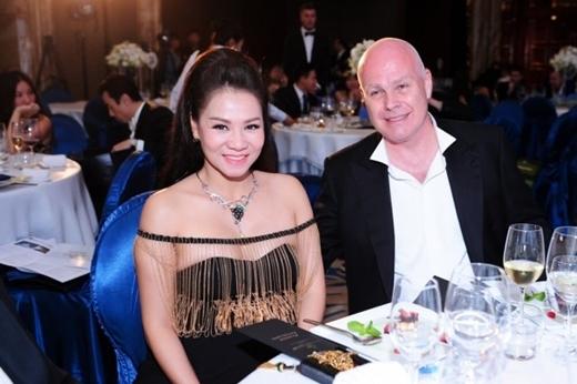 Hai vợ chồng Thu Minh đang từng ngày ngóng chờ sự chào đời của đứa con đầu lòng. - Tin sao Viet - Tin tuc sao Viet - Scandal sao Viet - Tin tuc cua Sao - Tin cua Sao