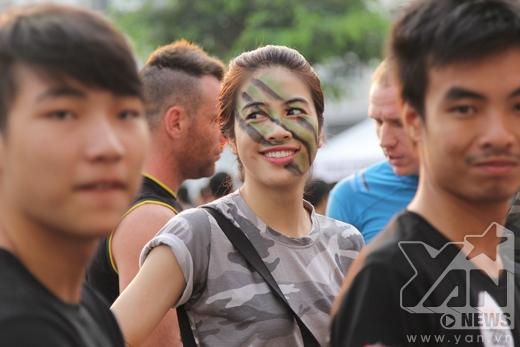 Gương mặt hớn hở của một bạn nữ khi tham gia chương trình