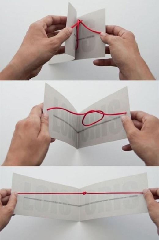 Tấm thiệp cưới sử dụng cụm từ tie the knot - một thuật ngữ có nghĩa là đám cưới làm cảm hứng chủ đạo
