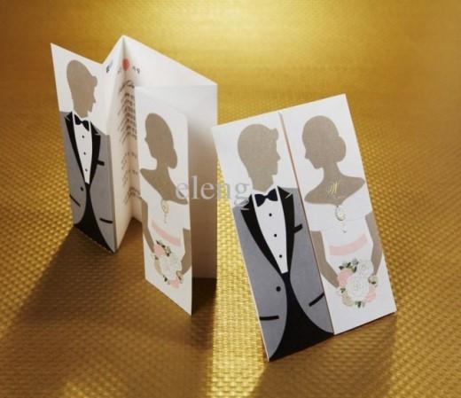 Chỉ cần một chút đổi mới, tấm thiệp cưới đã trở nên rất độc đáo và đặc biệt rồi