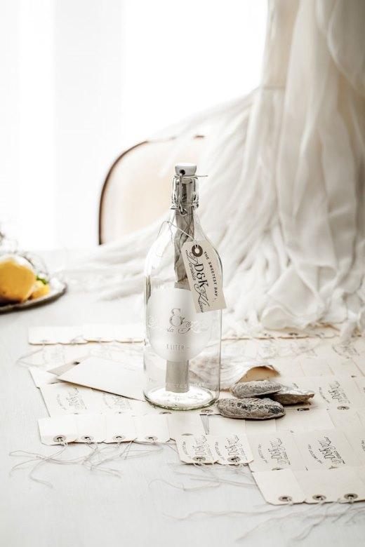 Thiệp cưới trong chai - một ý tưởng thật sáng tạo phải không?