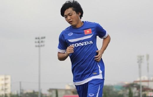 Hé lộ lí do HLV Miura bỏ rơi tiền vệ Tuấn Anh