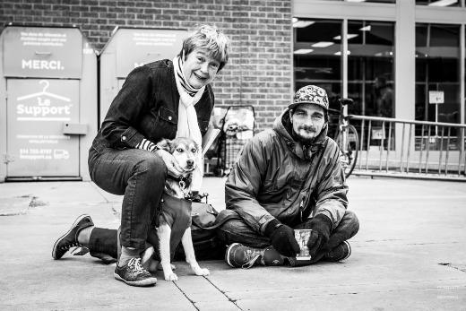 Lặng người trước những bức ảnh và câu chuyện của người vô gia cư