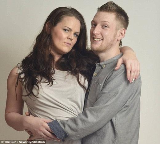 AnhChristopher Dodd, 24 tuổi và cô Fay Purdham, 27 tuổi đã quyết định kết hôn với nhau sau nhiều năm mất liên lạc