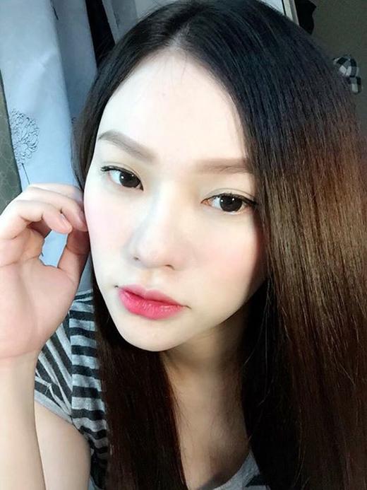 Đang trong giai đoạn mang thai, Thu Thủy hầu như vắng bóng khỏi showbiz. Mới đây, cô vừa đăng tải bức ảnh được selfie từ khá lâu để hâm nóng tình cảm với các fans và bày tỏ sự nôn nóng để được quay lại với nghề.