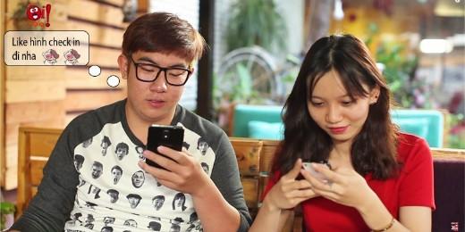 """Nhóm bạn """"xã hội"""" tụ tập cà phê nhưng nói chuyện lại qua điện thoại """"thông minh"""""""
