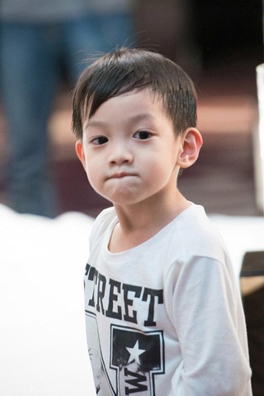 Cậu bé là sự kết hợp vẻ đẹp hoàn hảo của mẹ Hồ Ngọc Hà và bố Cường Đô la. - Tin sao Viet - Tin tuc sao Viet - Scandal sao Viet - Tin tuc cua Sao - Tin cua Sao