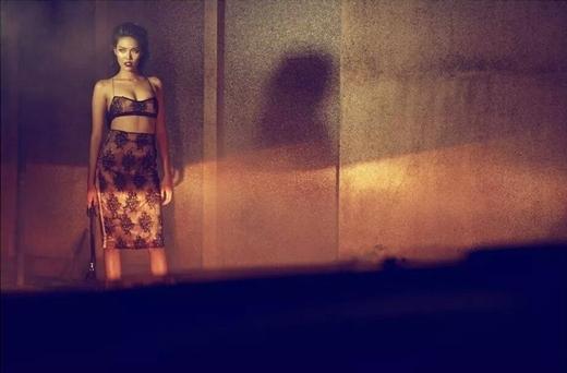 Bên cạnh đó, Lan Khuê còn cực kỳ có kinh nghiệm khi tham gia showbiz và làm người mẫu từ năm 2012. - Tin sao Viet - Tin tuc sao Viet - Scandal sao Viet - Tin tuc cua Sao - Tin cua Sao