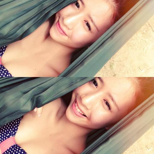 Quỳnh Anh sở hữu nụ cười tỏa nắng và vô cùng dễ thương.