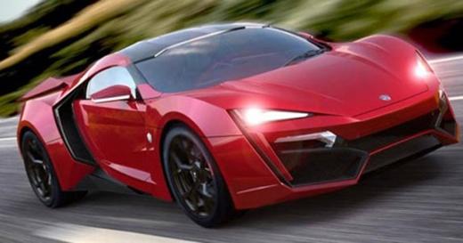 Thân xe chủ yếu được làm bằng vật liệu sợi carbon. Đèn pha LED phủ lớp kim cương siêu mỏng.