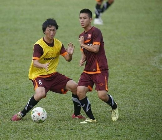 Tuấn Anh (trái) vẫn được HLV Miura triệu tập cho SEA Games – Ảnh: Bạch Dương