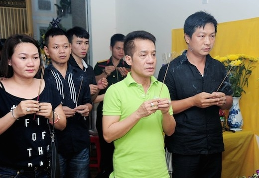 Nghệ sĩ Đăng Lưu (tên thật Đặng Đăng Lưu, sinh năm 1976 tại Hà Nội), trút hơi thở cuối cùng lúc 1h23 ngày 7/4, hưởng dương 40 tuổi. Anh từng là học trò của nghệ sĩ Minh Nhí. - Tin sao Viet - Tin tuc sao Viet - Scandal sao Viet - Tin tuc cua Sao - Tin cua Sao