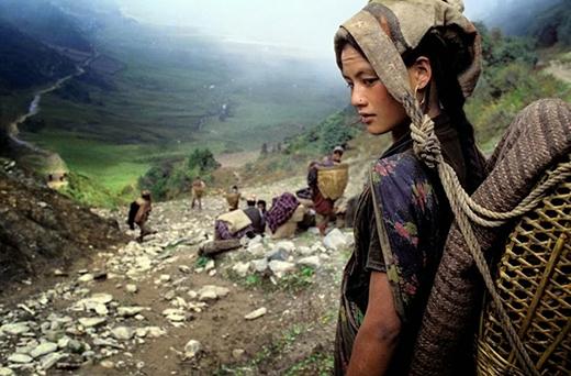 Vẻ đẹp của cô gái thuộc bộ lạc Chhetri ở Nepal.