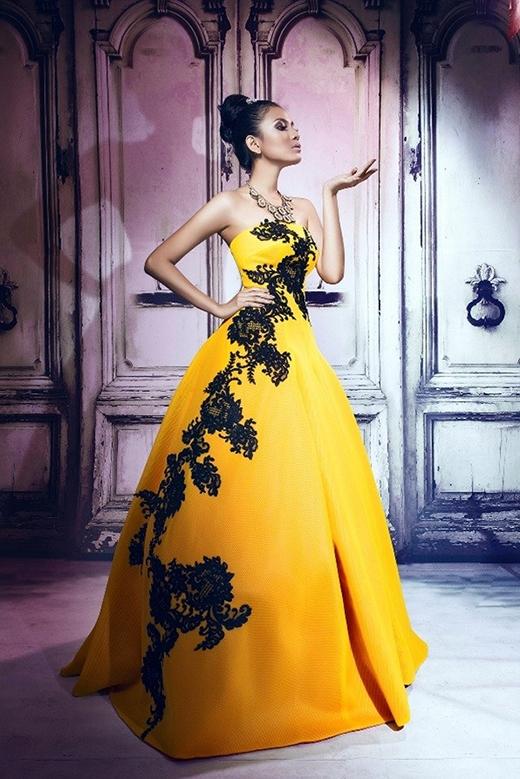 Săm soi trang phục trên sân khấu Miss Universe của người đẹp Việt