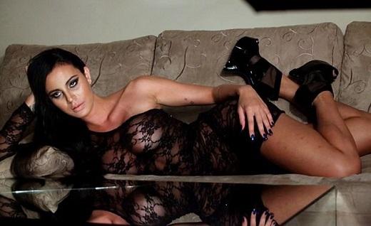 Lorena Bueri sở hữu thân hình nóng bỏng. Ảnh Internet