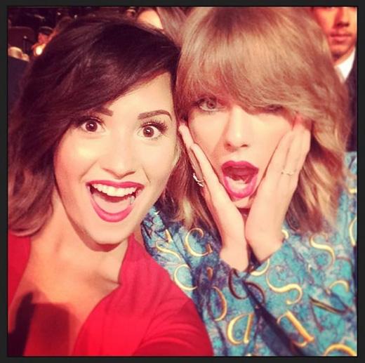 5 điều khiến fan đổ rầm rầm vì Demi Lovato