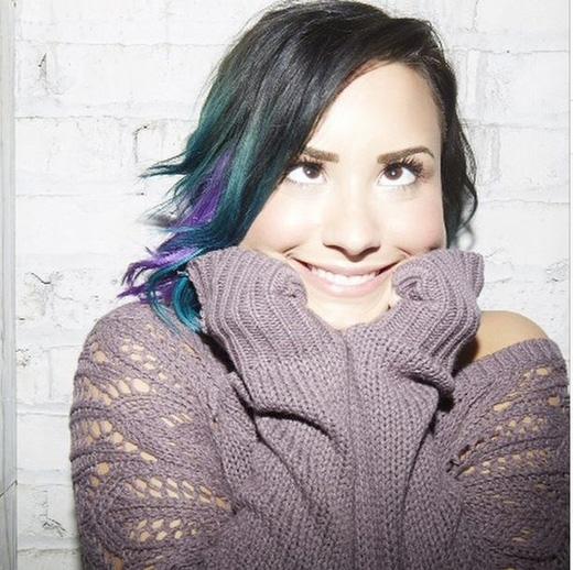 Hay đăng ảnh bản thân làm fans vui vẻ là điều tuyệt vời nhất mà Demi khéo léo khiến fans cứ đổ rầm rầm sau sự yêu thích về giọng hát của cô.