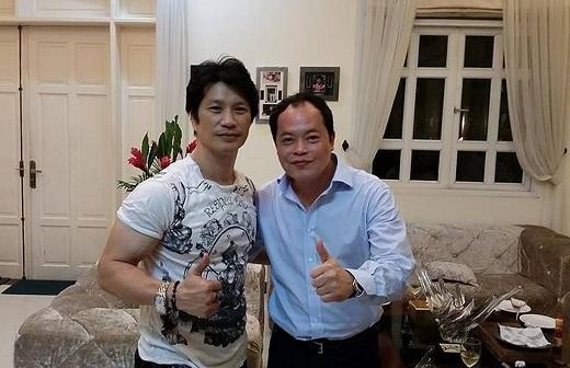 Diễn viên hành động Dustin Nguyễn cũng là khách hàng quen thuộc của anh
