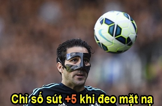 Fabregas thành người hùng khi đeo mặt nạ
