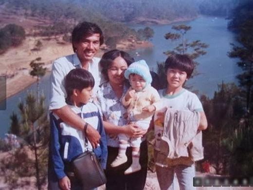Tăng Thanh Hà trong vòng tay bố mẹ và các anh trai - Tin sao Viet - Tin tuc sao Viet - Scandal sao Viet - Tin tuc cua Sao - Tin cua Sao