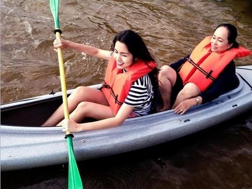 Tăng Thanh Hà và mẹ hiện tại - Tin sao Viet - Tin tuc sao Viet - Scandal sao Viet - Tin tuc cua Sao - Tin cua Sao