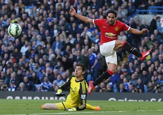 Chelsea thắng tối thiểu, Arsenal vào Chung kết