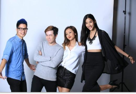 JVEvermind và Suboi trong hậu trường một buổi chụp hình của Danh Sách 30 Under 30 của Forbes Việt Nam