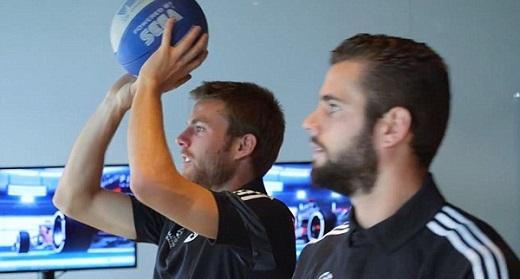 Trung tâm tập luyện của Real có một phòng giải trí chung nơi các cầu thủ có thể cùng nhau chơi bóng bàn, bóng rổ hay các trò chơi điện tử.
