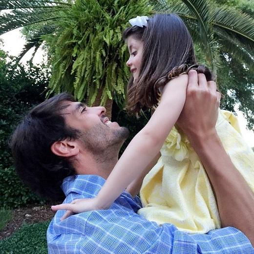 Vợ chồng Kaka ngọt ngào chúc mừng sinh nhật con gái
