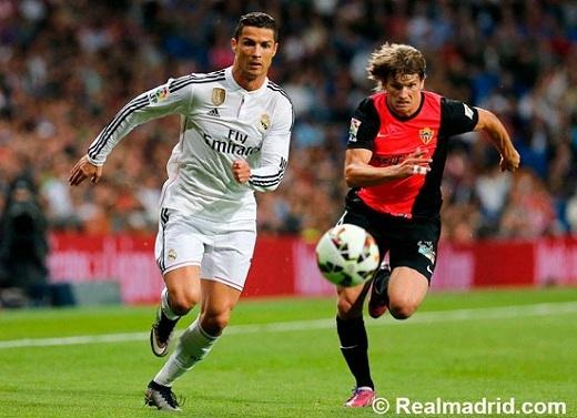 Ronaldo lại nổi điên vì bị đồng đội giành ghi bàn