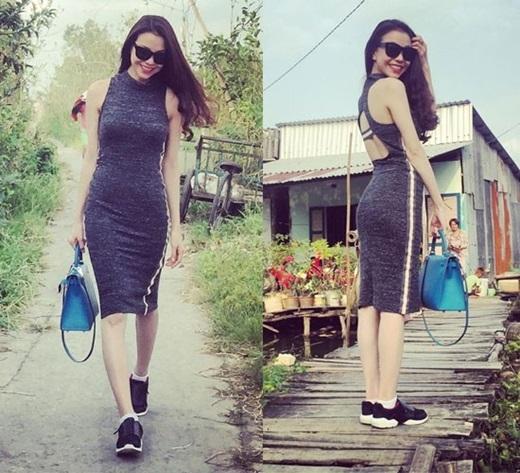 Thiết kế váy liền thân hay chân váy dài chất liệu thun dày dặn đượcTrà Ngọc Hằng kết hợp với giày thể thao khỏe khoắn.