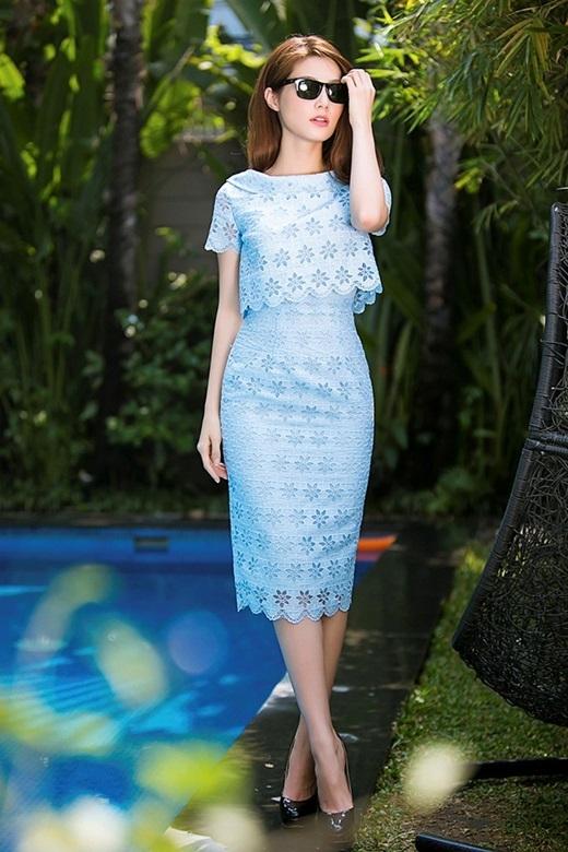 Váy dài từ chất liệu ren gợi cảm cũng được Diễm My 9x ưa chuộng.