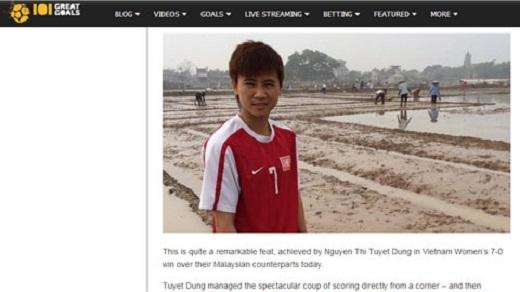 2 siêu phẩm từ chấm phạt góc của Tuyết Dung khiến thế giới chấn động