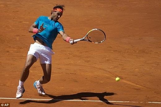 """Ở tứ kết Madrid Open, tay vợt người Tây Ban Nha sẽ so tài cùng Grigor Dimitrov. Trước đó, """"tiểu Federer"""" xuất sắc vượt qua đàn anh Stan Wawrinka với kết quả 7-6, 3-6 và 6-3."""