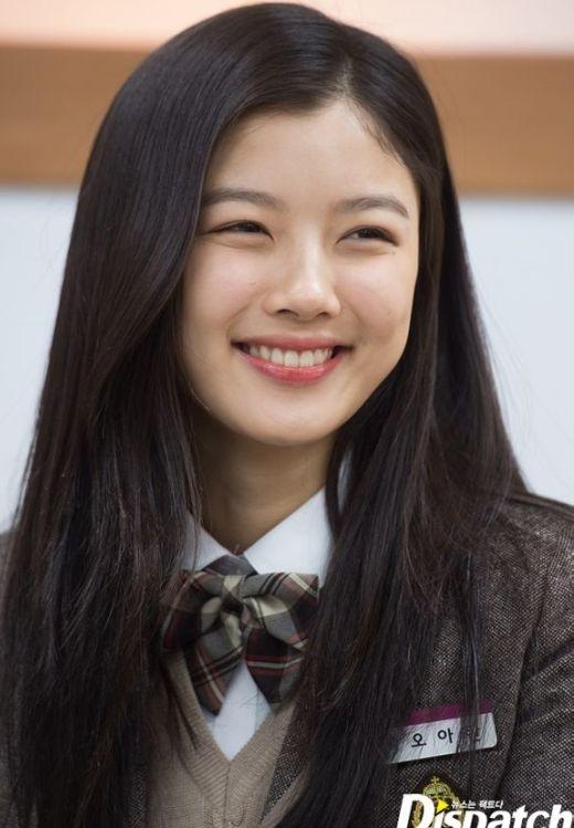 Sao nhí Kim Yoo Jung buồn bã vì bị 'nghỉ học'