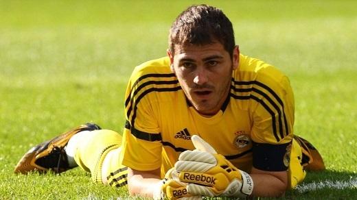 Iker Casillas chửi lại CĐV Real: Thời điểm chia tay đã đến?