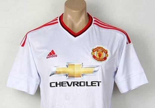 Lộ toàn bộ áo đấu của Man Utd mùa giải 2015 - 2016
