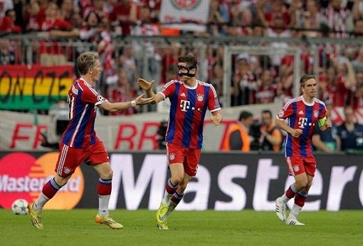 Bayern thắng danh dự, Barcelona giật vé đi chung kết