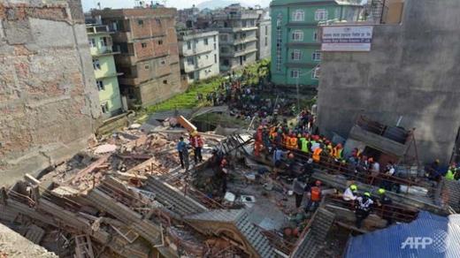 Cảnh hoang tàn sau trận động đất xảy ra