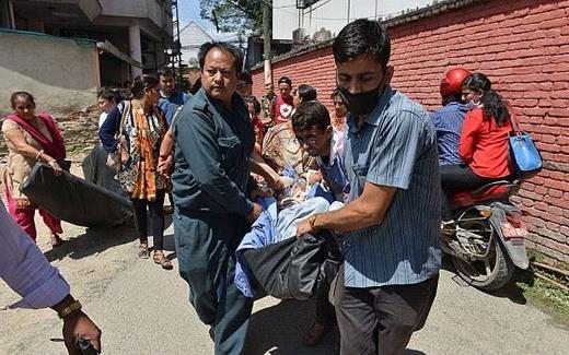 Các nạn nhân của trận động đất trước đó đang điều trị tại bệnh viện được di dời khẩn cấp
