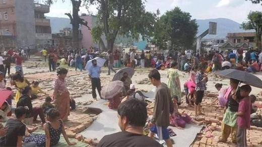 Hiện người dân Nepal đang sống trong cảnh màn trời chiếu đất