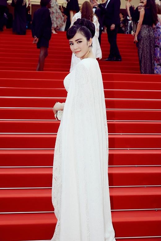 9 trang phục đẹp nhất trên thảm đỏ khai mạc Cannes 2015