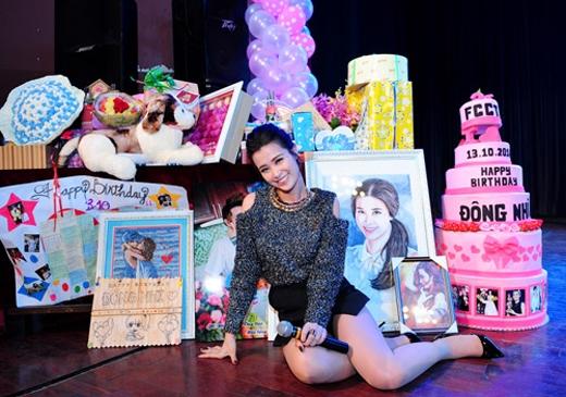 Những món quà mà fan dành tặng cho cô vào dịp sinh nhật lần thứ 26 vừa qua. - Tin sao Viet - Tin tuc sao Viet - Scandal sao Viet - Tin tuc cua Sao - Tin cua Sao