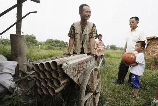 Một khẩu pháo tự chế của Yang Youde – một nông dân ở tỉnh Hồ Bắc.