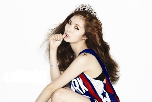 Trầm trồ với chiếc cổ quyến rũ khó cưỡng của mỹ nhân Kpop